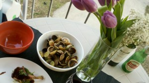 2011 03 18 19 06 00 145 300x168   First Al Fresco Dining 2011 steamed cockles