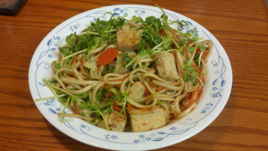Sesame Tofu Stir Fry with Udon Noodles | you blog what you eat